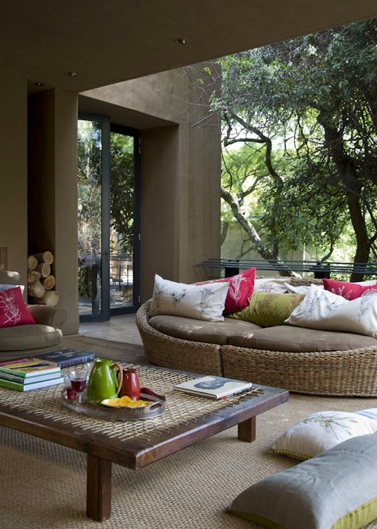 Safari Fusion blog | Safari style indoor outdoor living in South Africa via David Ross Photograph
