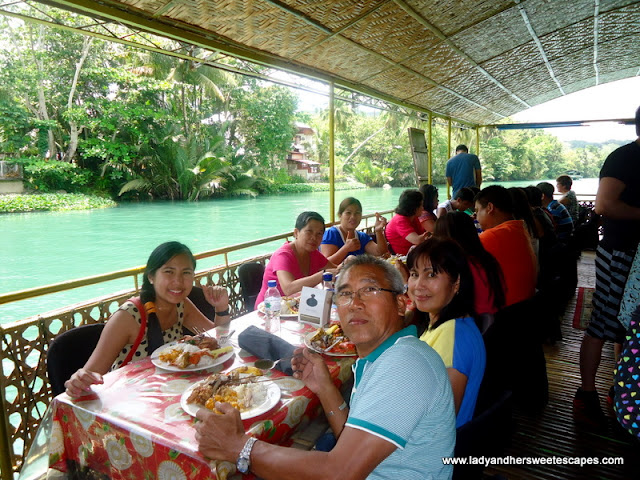 lady_and_ed's family dining while cruising Loboc River