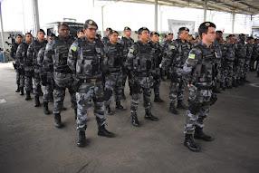 POLICIAIS DO CHOQUE EM FORMA