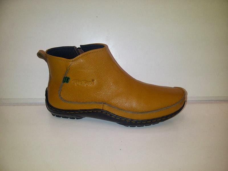 sepatu KicKers Boots Import coklat muda, KicKers Boots Import