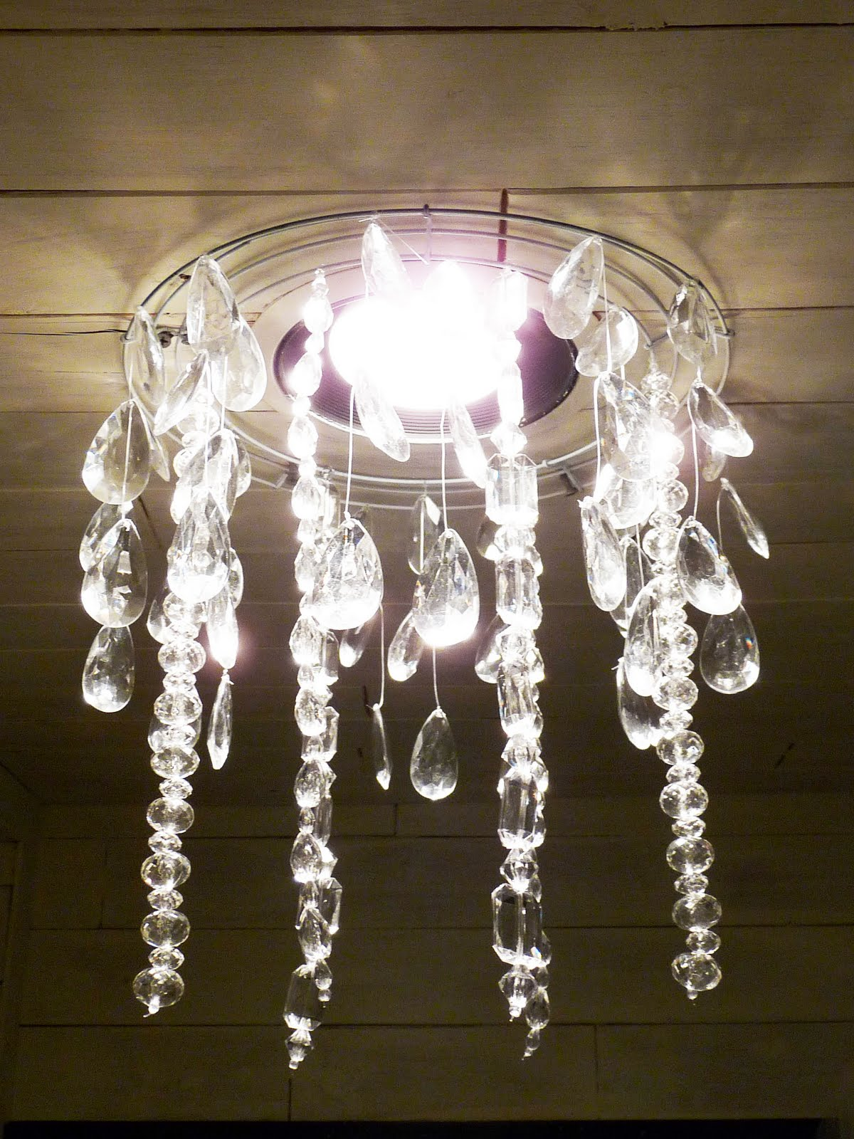 the happy homebodies tutorial diy faux crystal chandelier, Lighting ideas