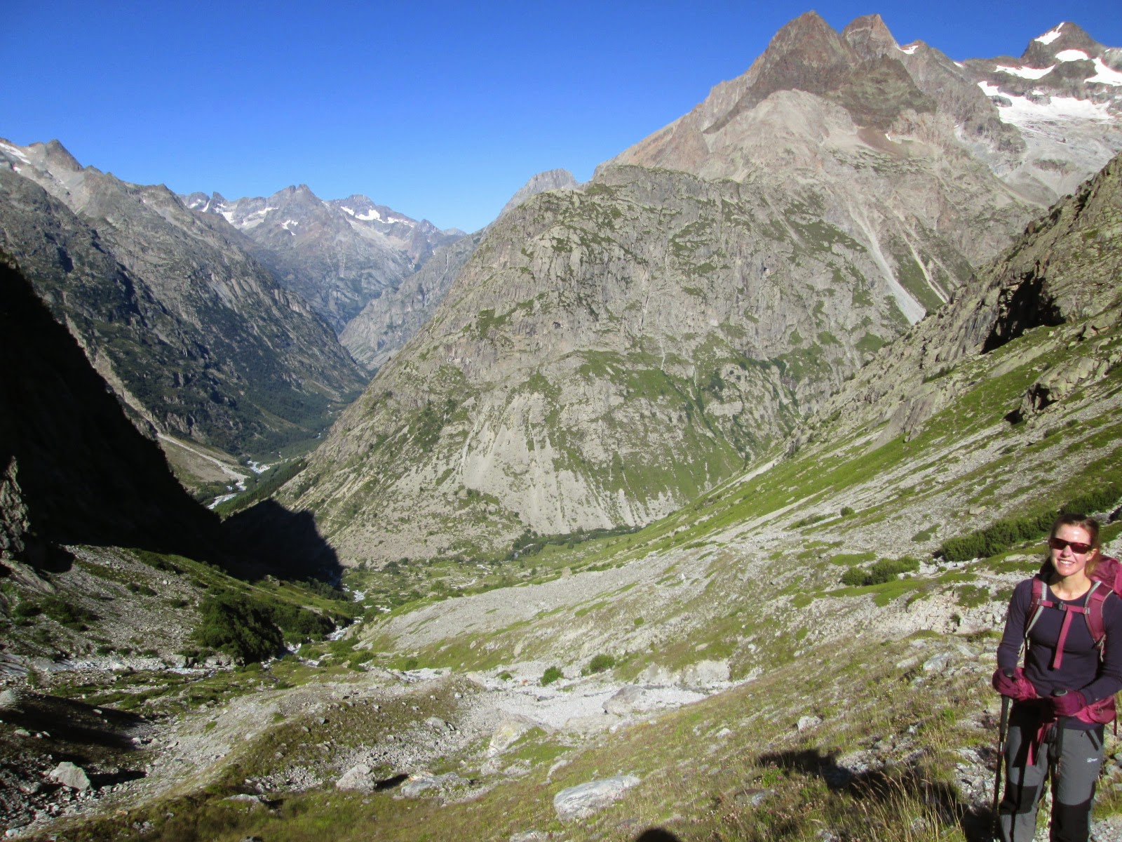 Vallon de Borne Pierre under Barre des Ecrins, Ecrins National Park, Alps, France