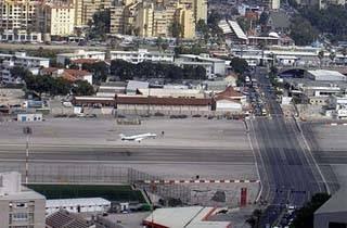 Bandara-Bandara Paling Ekstrem Di Dunia - Bandara Gilbraltar