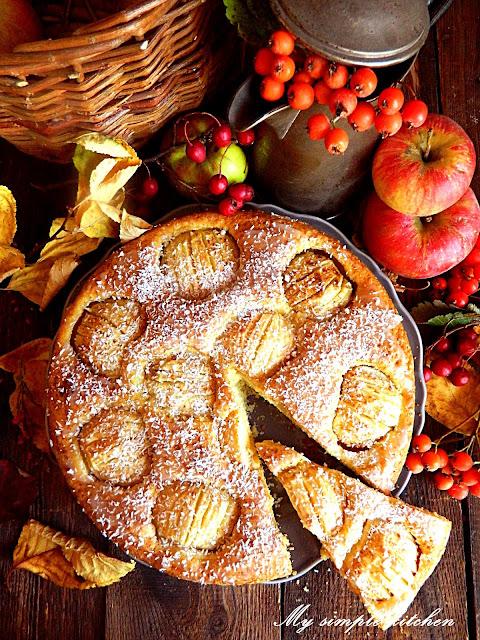 jabłecznik z całymi jabłkami