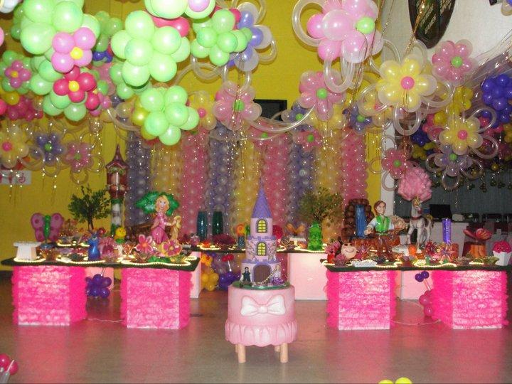 decoracao festa xuxinha: no novo filme enrolados da Disney.a festa ficou muito apaixonante