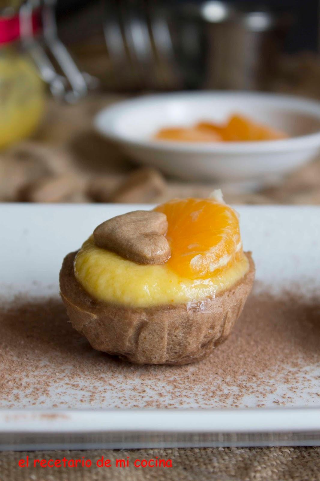 Tartaletas de chocolate rellenas de crema de mandarinas
