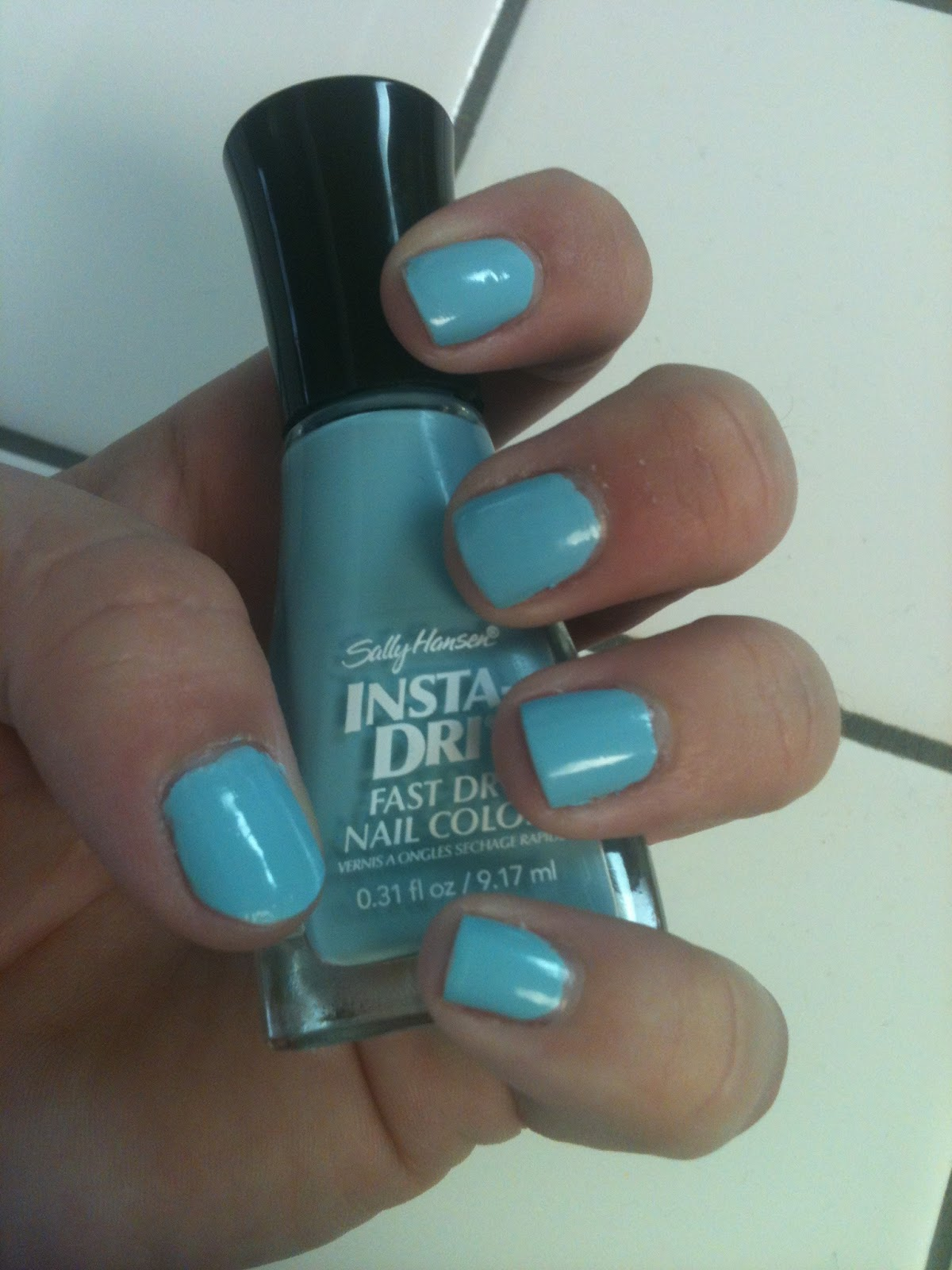 Posted by Desirae at 10 16 AMSally Hansen Insta Dri Blue Away