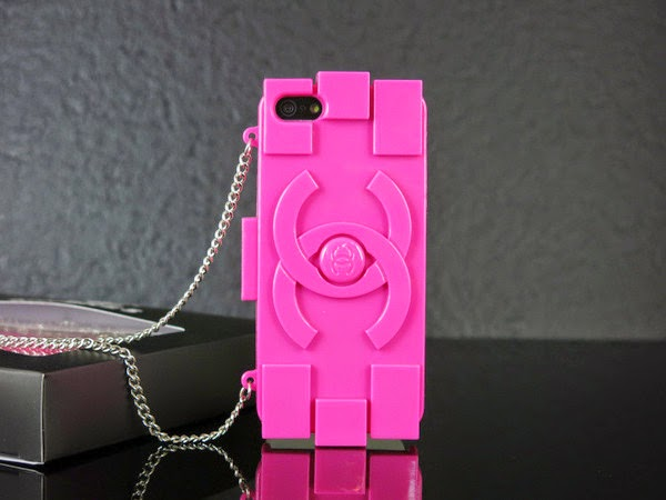 CHANEL PLASTIC LEGO CLUTCH AND iPHONE CASE IN PINK