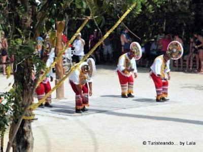 Baile Huahuas, Voladores Papantla