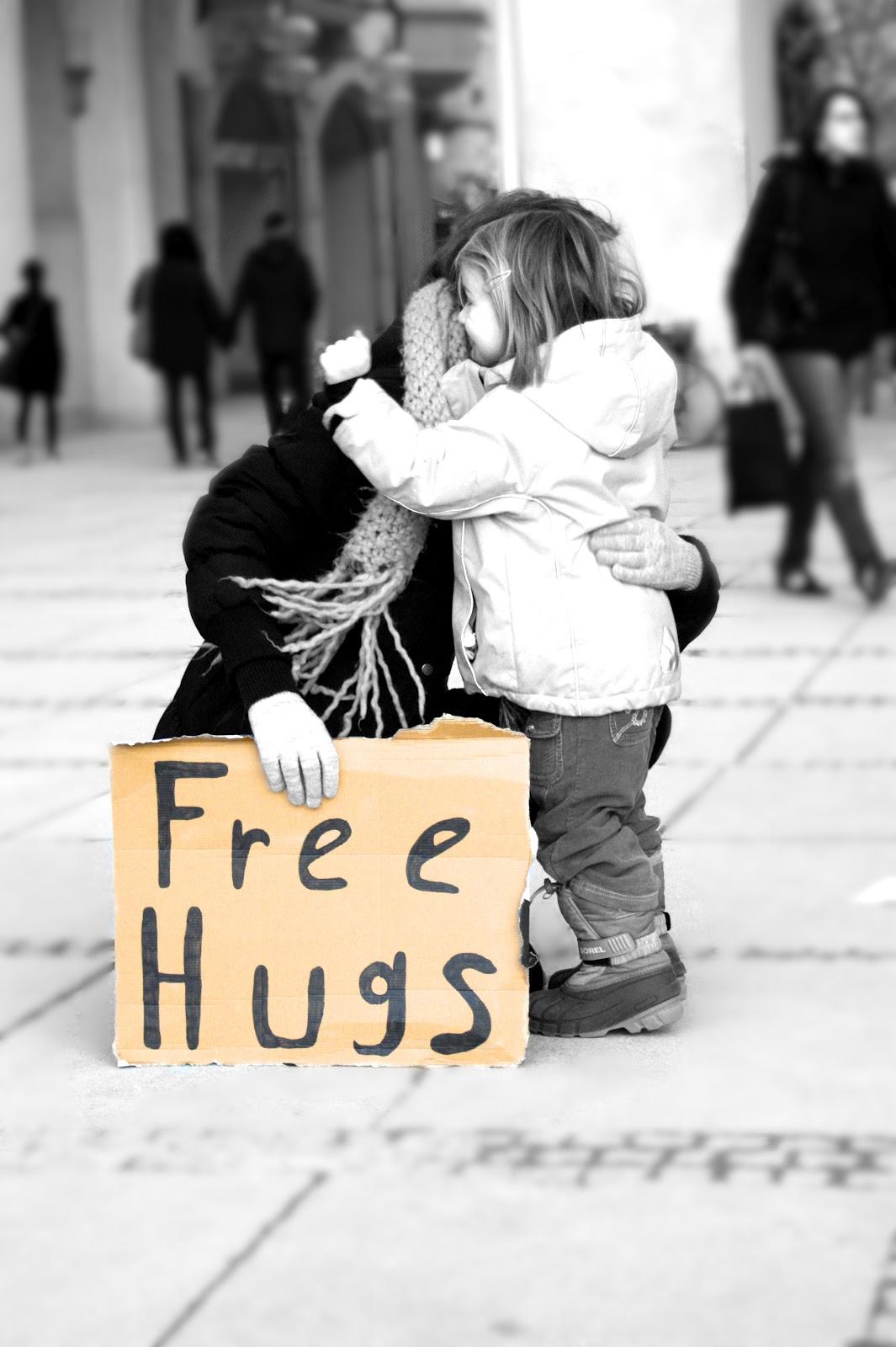 free_hugs_2_by_dastalisa-d3adynw.jpg