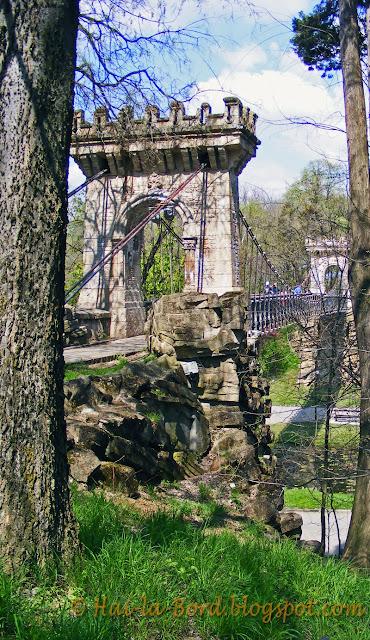podul cu lanturi parc romanescu craiova