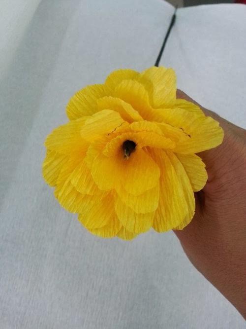 Diy pretty cool hand made paper flower diy crafts list diy pretty cool hand made paper flower mightylinksfo