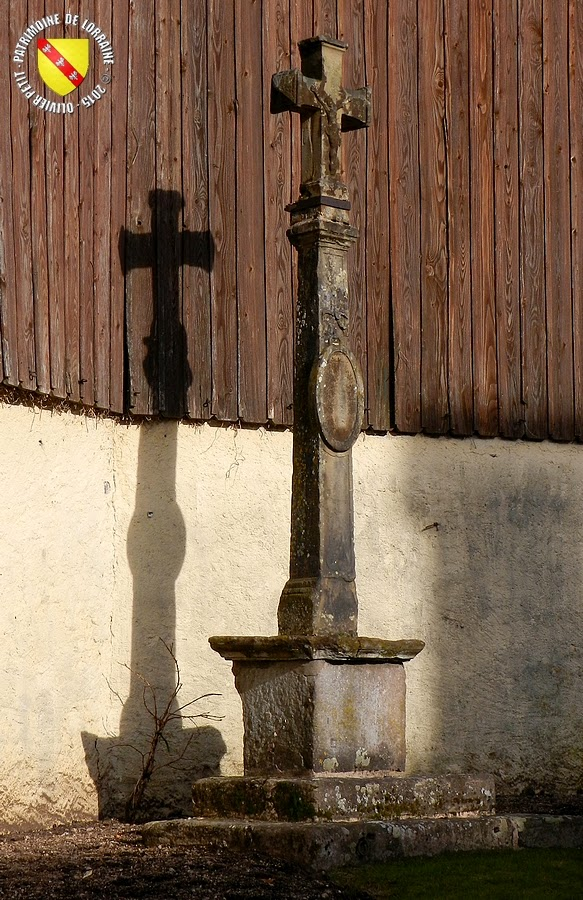 Gérardmer - Croix de chemin, rue Carnot