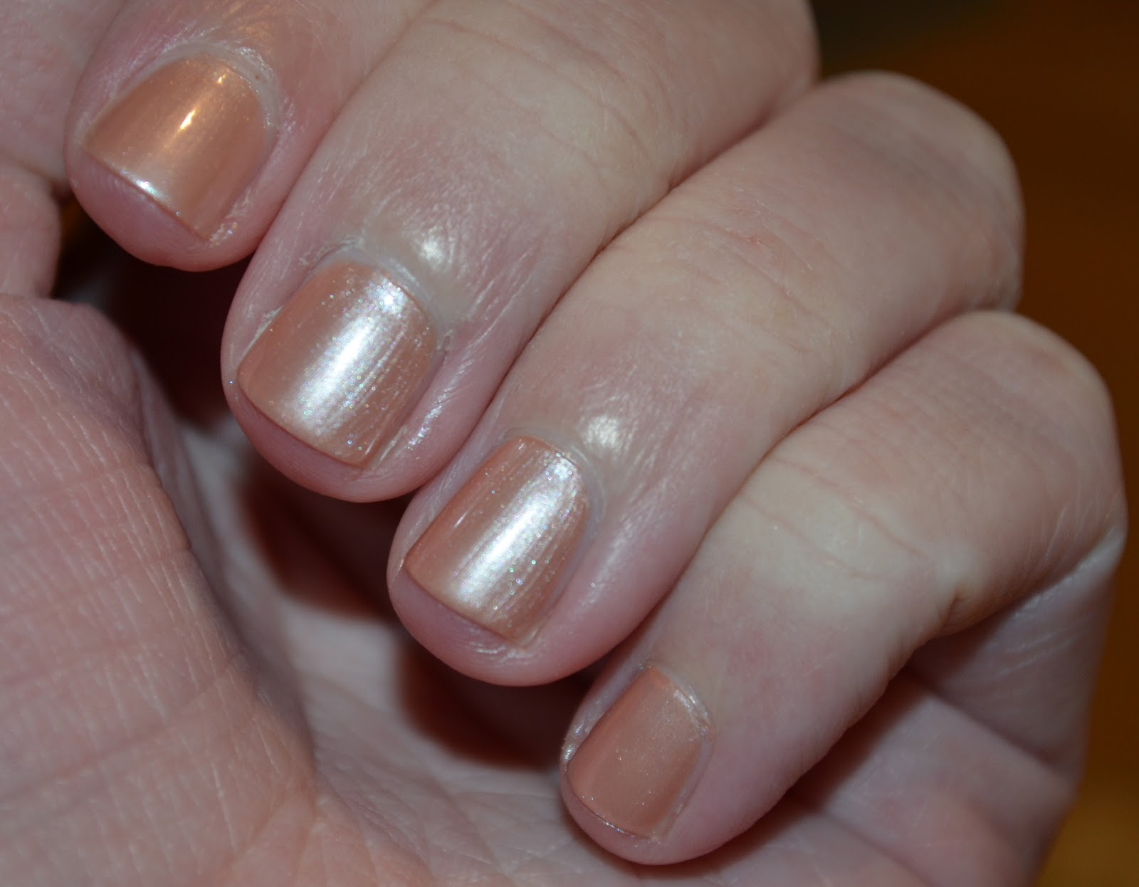 Em\'s Polish Paradise: Swatches and Review: Essie \