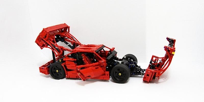 【動画】LEGOで再現されたスーパーカーの完成度が高すぎる フェラーリ