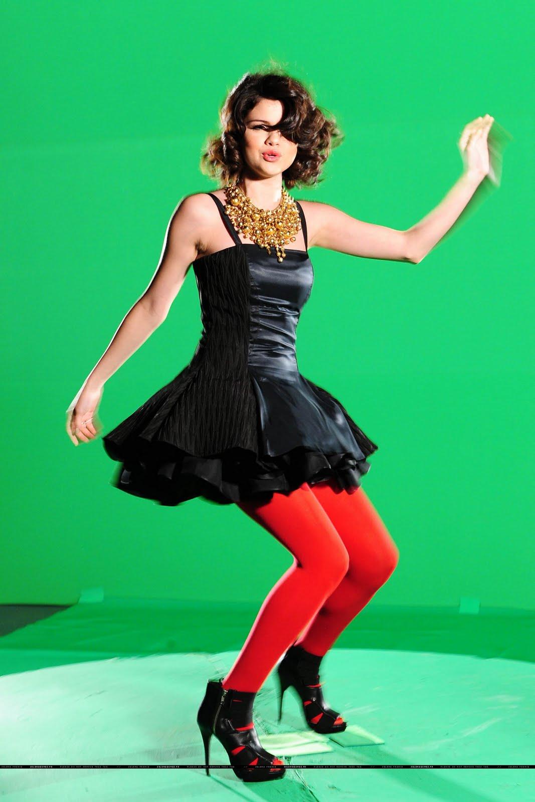 http://4.bp.blogspot.com/-5aEsFYAIz9M/TdU5bw9uuoI/AAAAAAAAB7c/v1uE_CkxTMY/s1600/Selena_Gomez_8.jpg