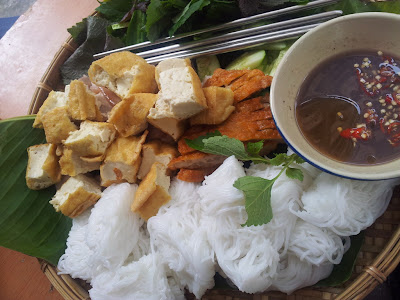 """Bun dau mam tom"" ( Vermicelli with bean curd and shrimp sauce) – only in Vietnam"