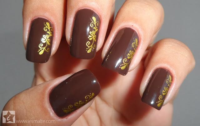 Esmalte Chocolate Quente + Carimbo