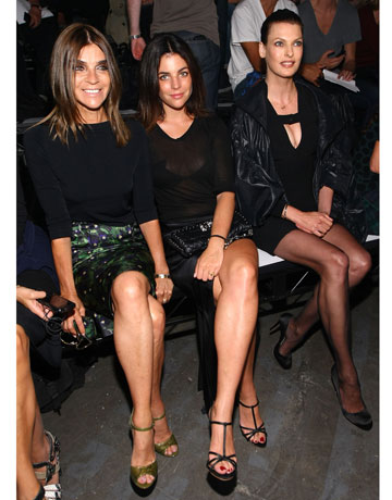 Photo of Linda Evangelista & her friend model  Carine Roitfeld -