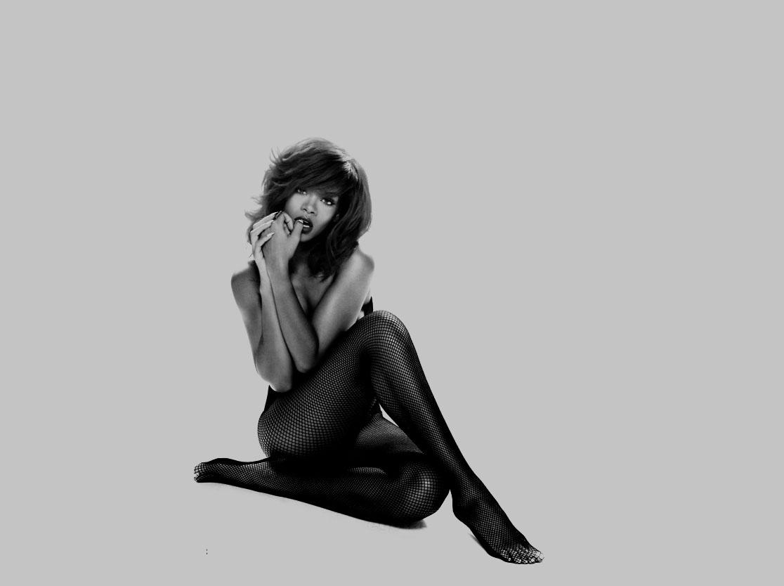 http://4.bp.blogspot.com/-5bE_pW0NQV4/TkrwgE2tK6I/AAAAAAAAEq4/6DT-Y1YIVBU/s1600/Rihanna.jpg