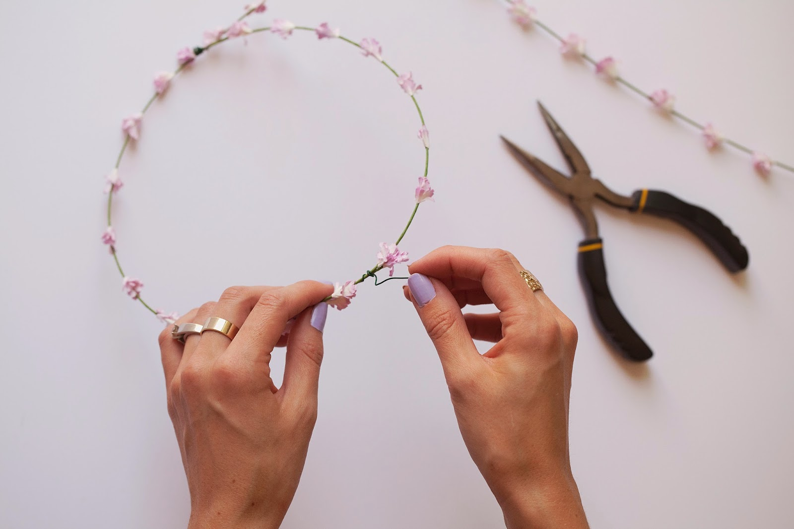 TELL: DIY SUMMER FLORAL CROWN - Tell Love and Party
