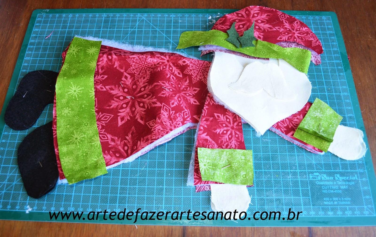 Papai Noel em tecido montado