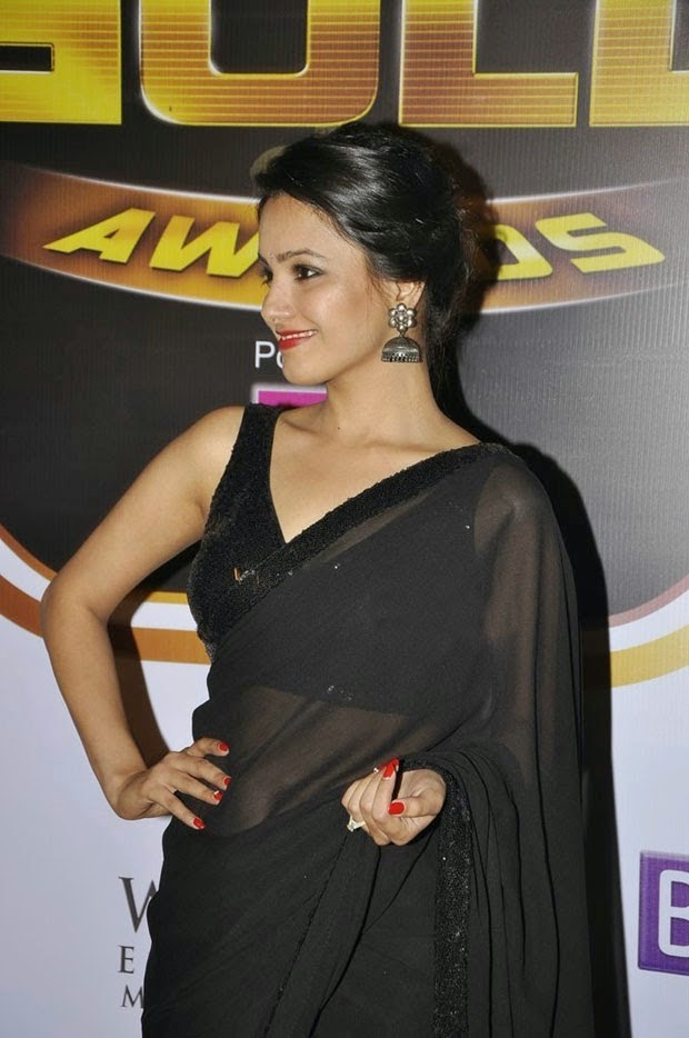 Anita - Latest Hot Photos in Black Saree