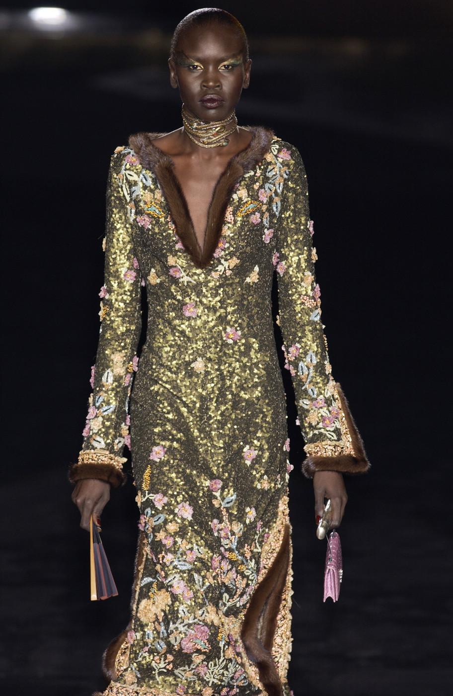 Valentino Haute Couture Fall/Winter 2002