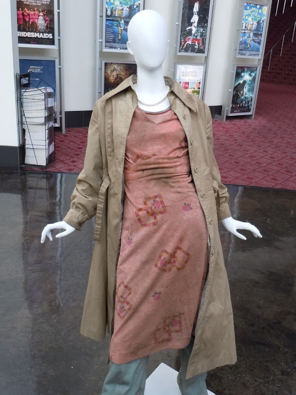 Elle Fanning Super 8 movie costume