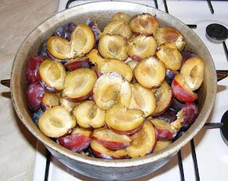 prune, fructe, preparare magiun de prune fara zahar, retete magiun de prune, reteta magiun de prune, retete culinare, gemuri preparare, retete cu prune, preparate din prune,
