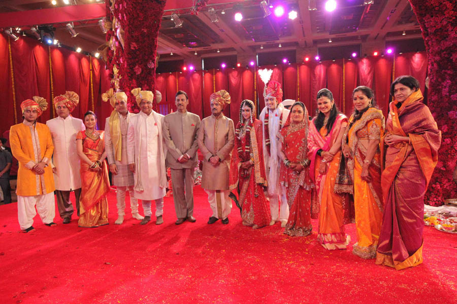 Ritesh & Genelia Church Wedding Images - Wallwoods