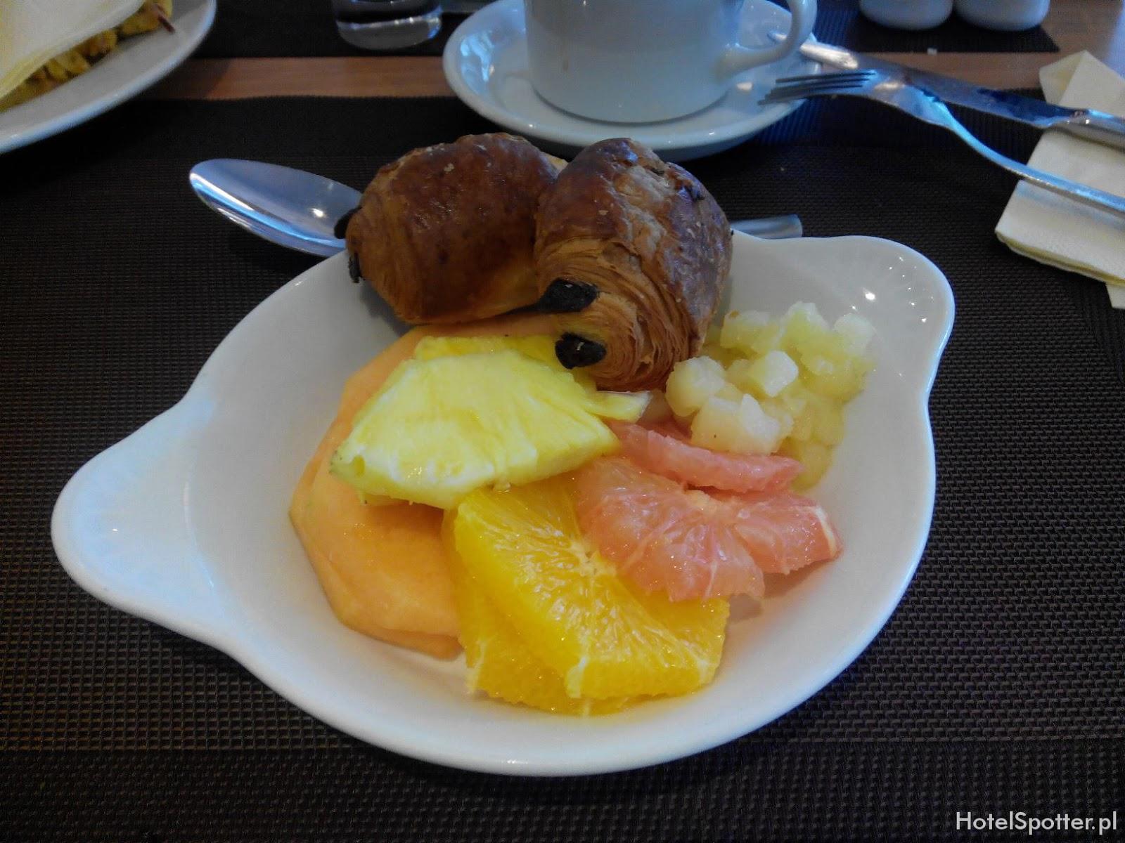 Novotel Krakow Centrum - owoce na sniadanie