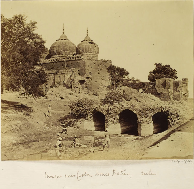 Mosque near the Customs House - Delhi, 1858