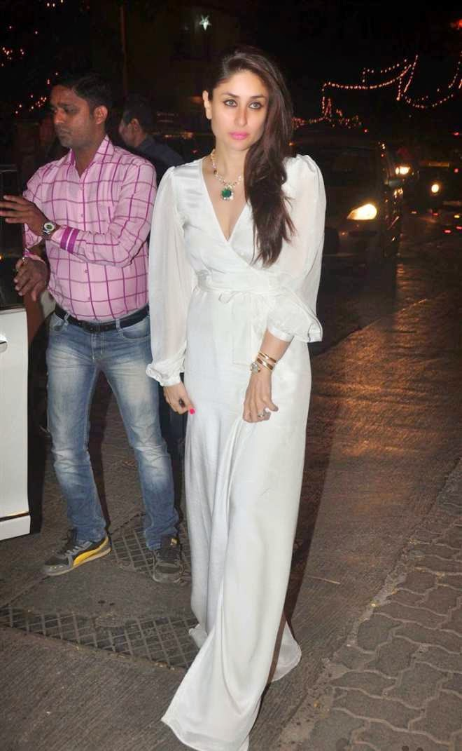 kareena kapoor hot cleavage photo in white long Gown
