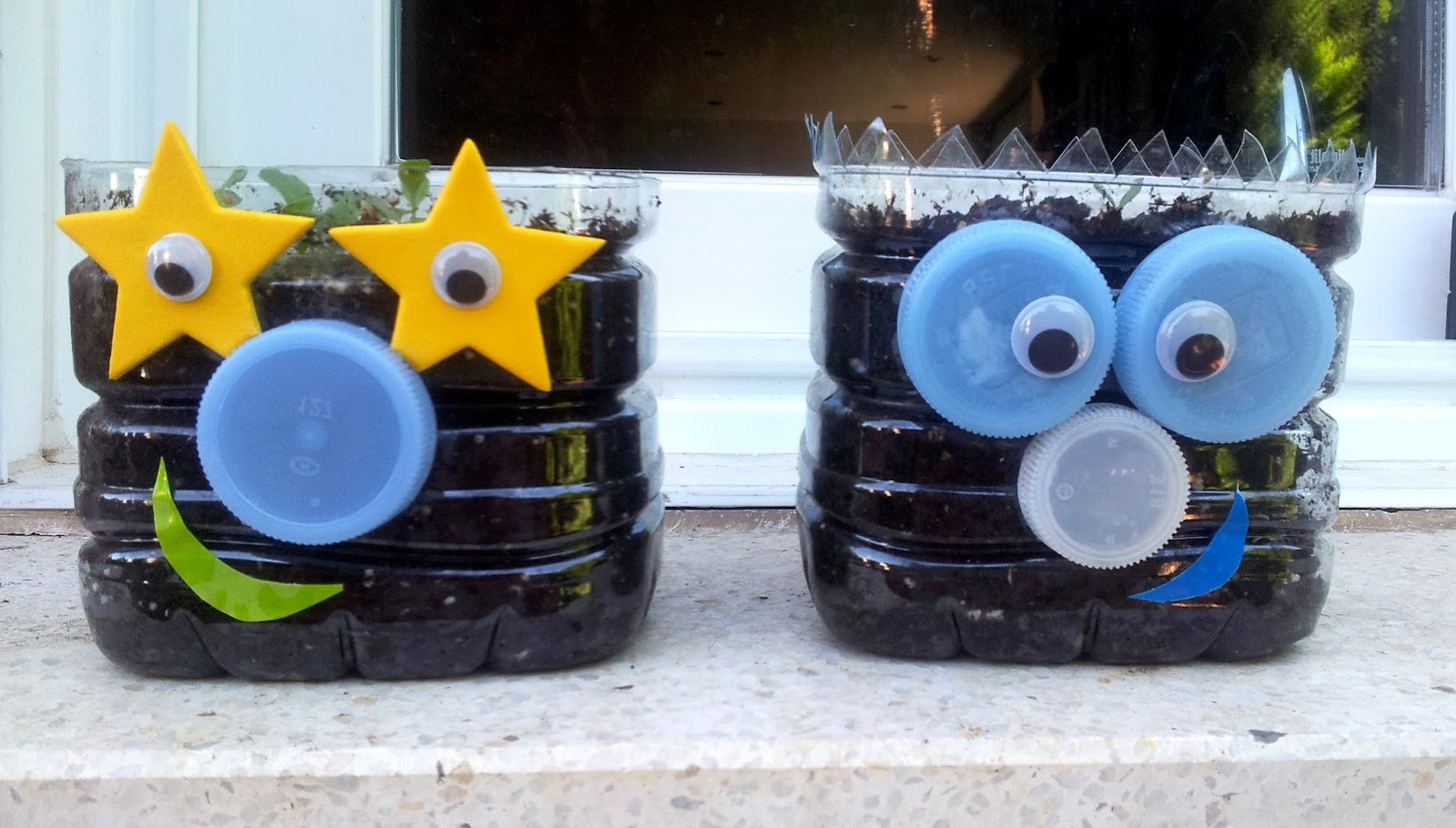 Sintele macetas con botellas de pl stico - Como pintar botellas de plastico ...