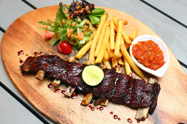 buns and meat balinese pork ribs