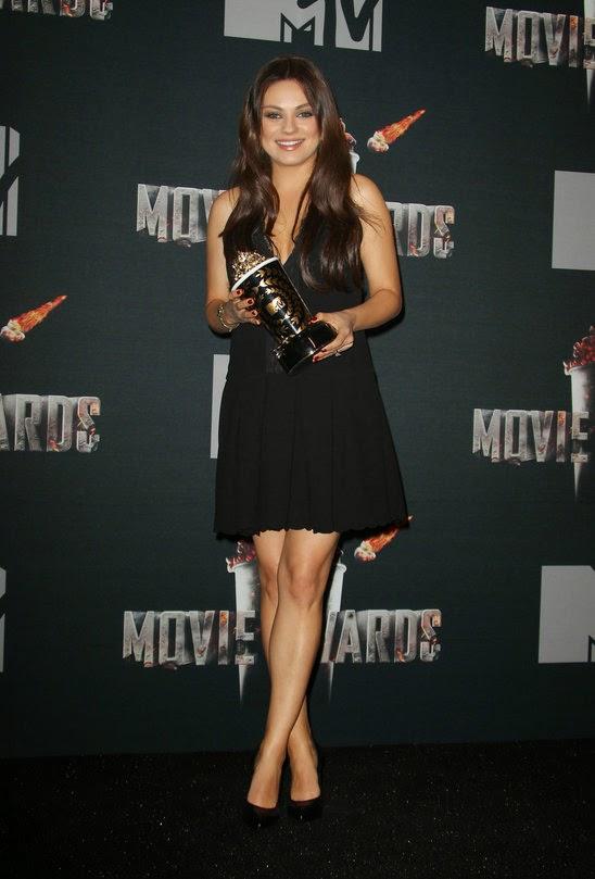 Fashion Mtv Movie Awards 2014  A La  Pregnant Mila Kunis