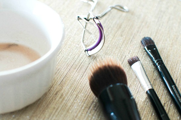 how-to-clean-makeup-brushes-with-coconut-oil
