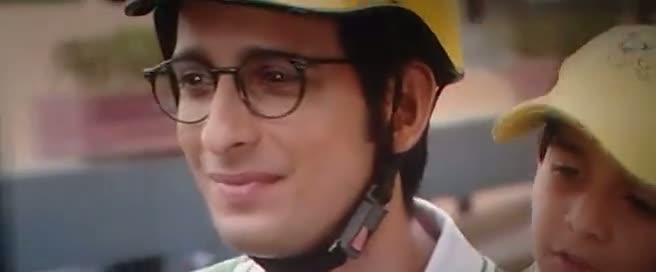 Screen Shot Of Hindi Movie Ferrari Ki Sawaari 2012 300MB Short Size Download  at world4nocost.in