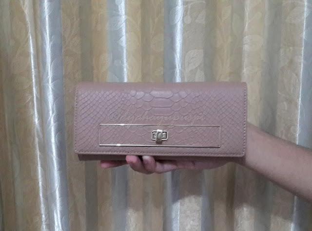 charles n keith purse. charles n keith wallet. purse. wallet