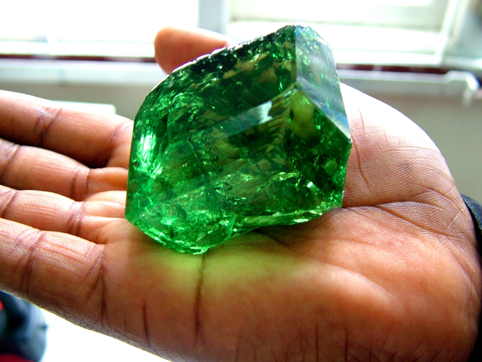 tsavorite products ct fine inc garnet imports cts round gemstone amazon