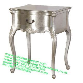 nakas ukiran jepara warna silver code NKSJ 115 nakas ukiran cat silver jepara