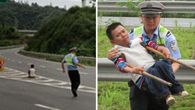 Sopir Taksi Kejam, Buang Tumpangan Cacat di Tengah Jalan Raya
