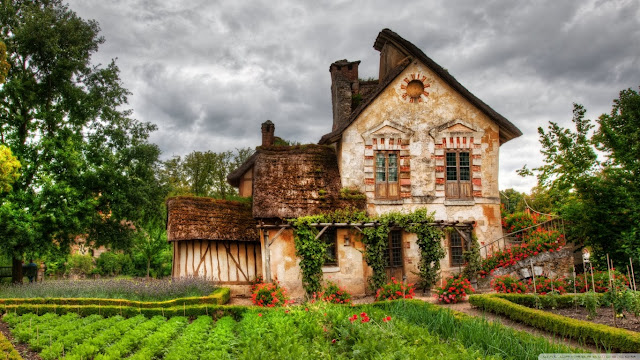 country house wallpaper