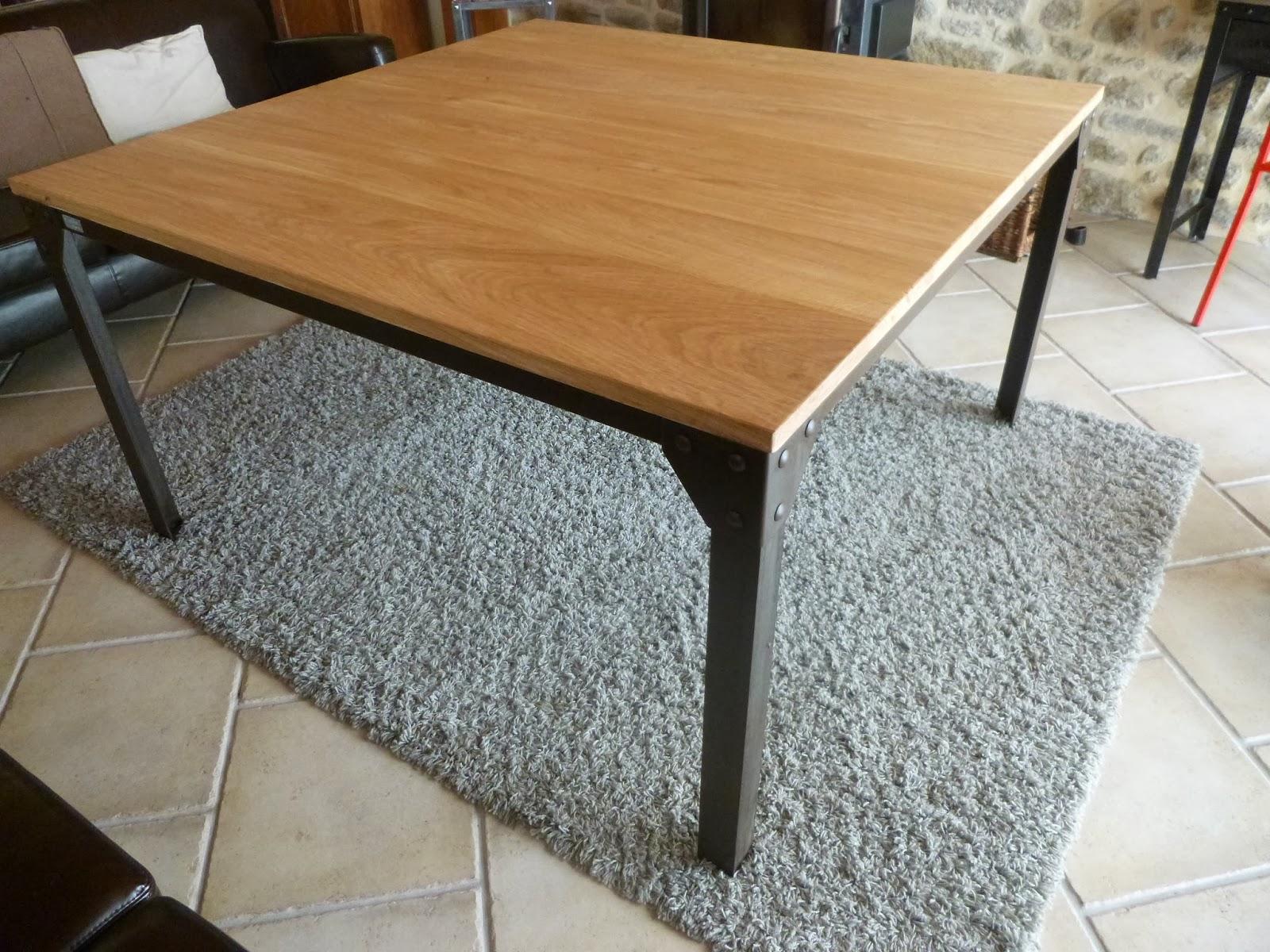 C factory creation table carre acier oxyde - Table en bois carre ...
