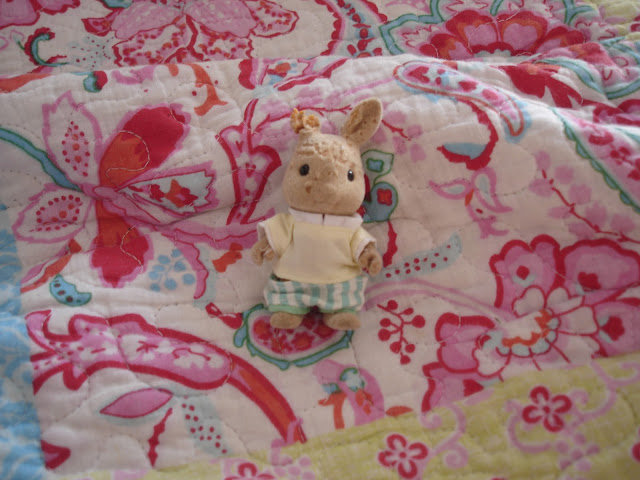 Sylvanian Families Dog Chewed Radish Dappledawn Rabbit