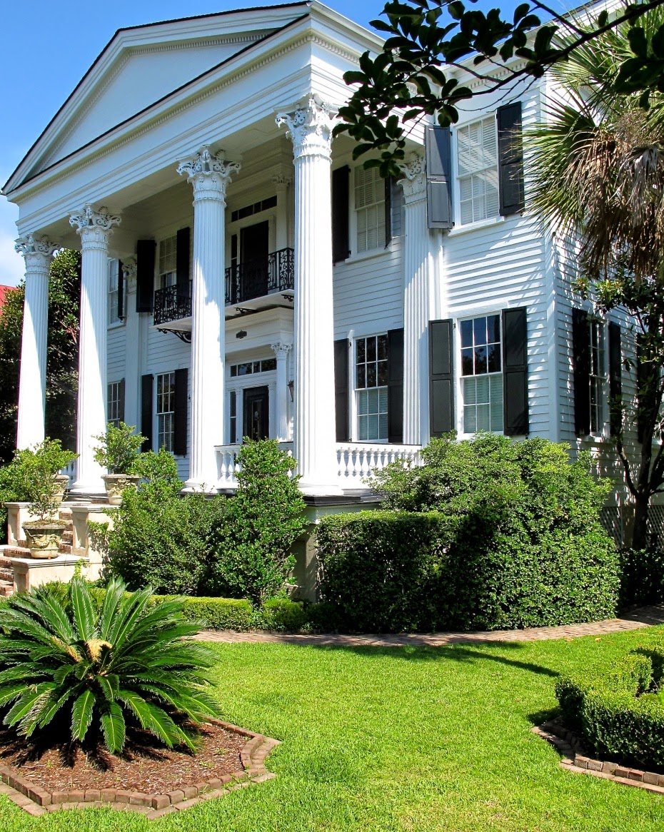 The Glam Pad Charming Charleston