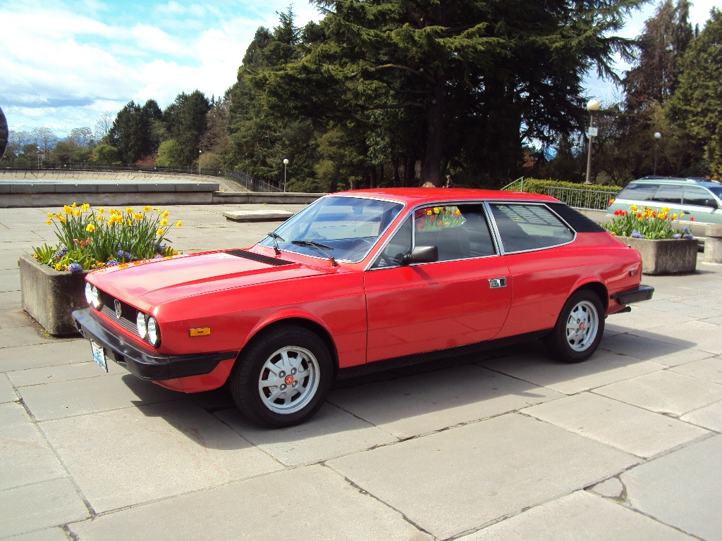 Daily turismo 15k 1979 lancia beta hpe high performance estate 15k 1979 lancia beta hpe high performance estate vanachro Images