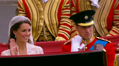 The weds, salute the crowd from the carriage. YouTube 2011.