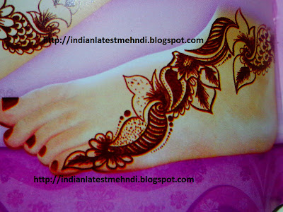 bridal mehndi design for feet of bride